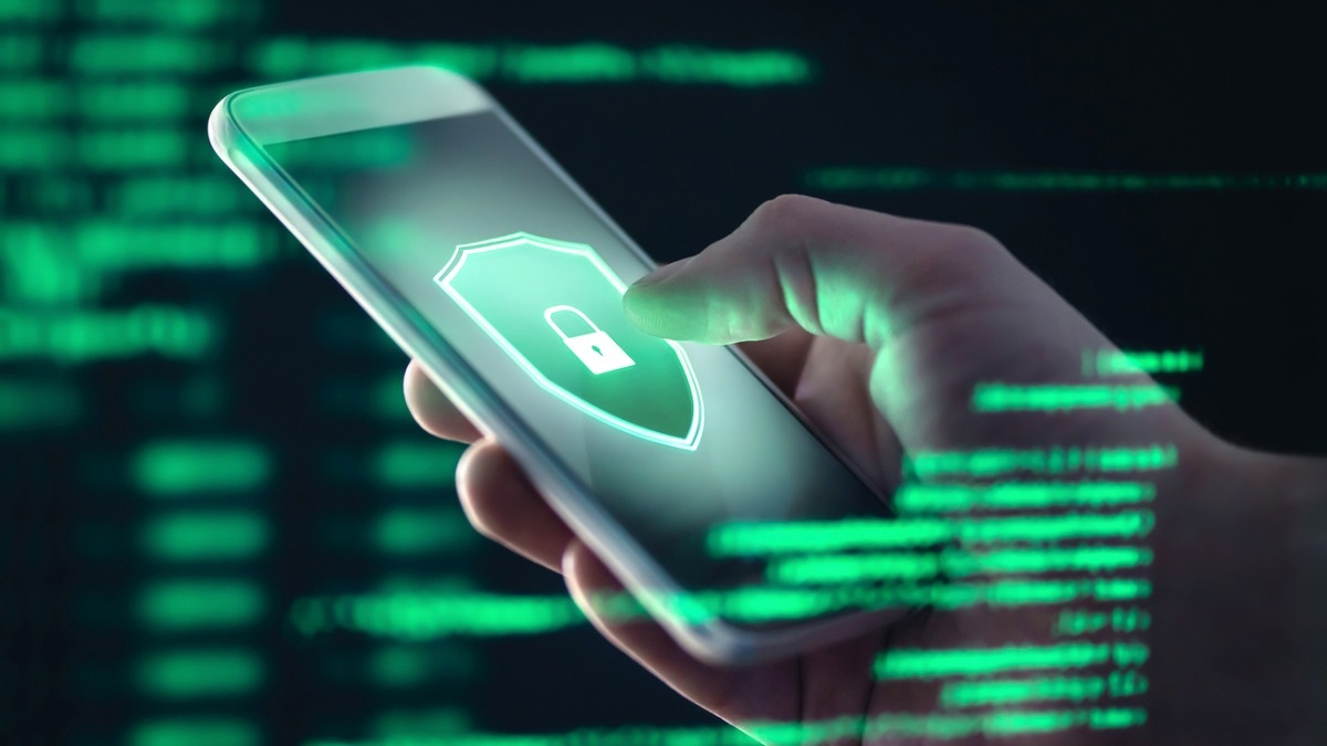 What are the best practices in which organisations should indulge to develop secure mobile applications?